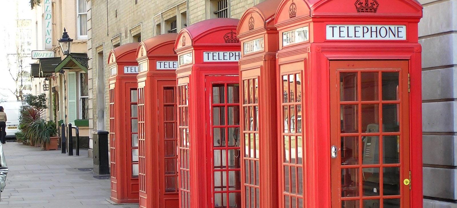 Cabine téléphonique anglaise (couleur rouge)